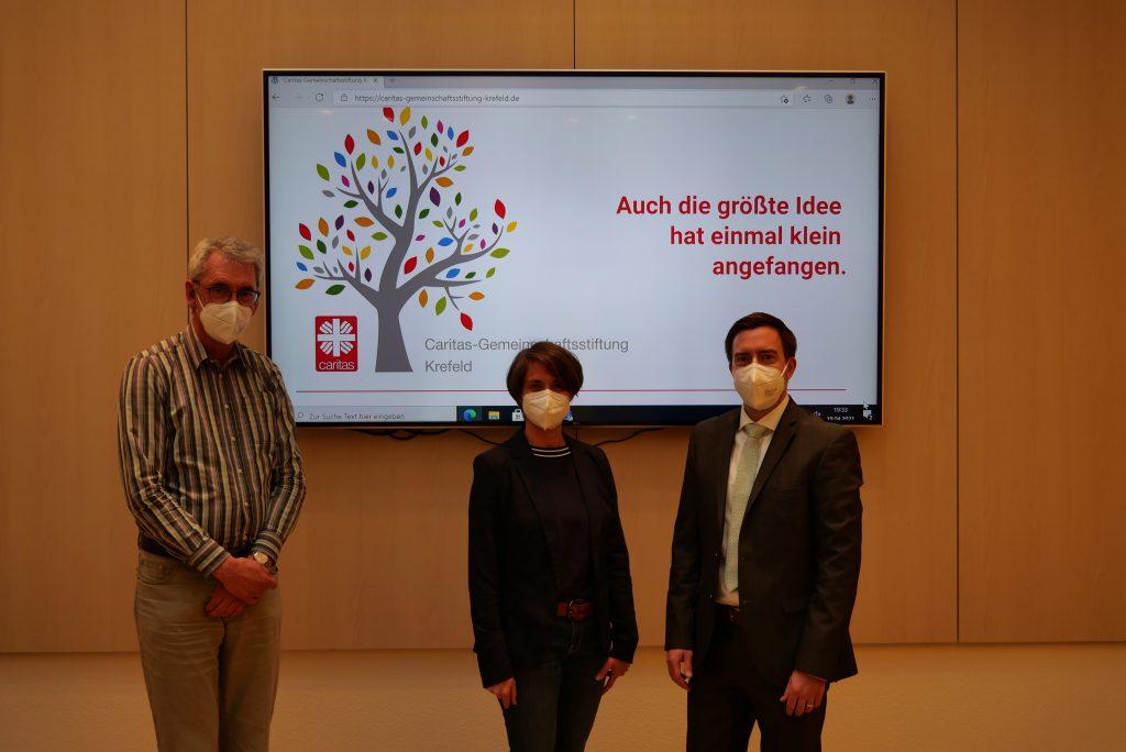 Der neue Vorstand der Caritas-Gemeinschaftsstiftung Krefeld (v.l.): Werner Nolden, Nina Dentges-Kapur und Alain Fiedler (Vorstandsvorsitzender).